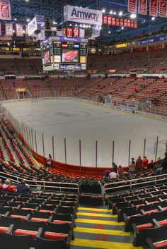 Joe Louis Arena - Home of The Detroit Red Wings - Michigan Detroit Hockey 27a97b573
