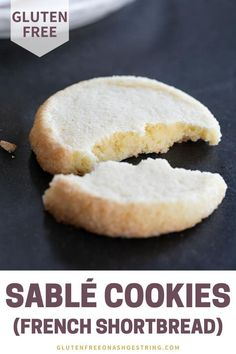 Simple yet delicious Sablé cookies are super easy to make! These buttery French-style shortbread cookies coated in coarse sugar are perfect for snacking or to package up for a yummy Christmas gift! Simply mix chill slice and bake! Winter Desserts, Great Desserts, Delicious Desserts, Dessert Party, Köstliche Desserts, Gluten Free Cookies, Gluten Free Baking, Gluten Free Recipes, Hot Fudge Cake
