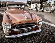https://flic.kr/p/RggmNY | Peugeot 403 | Peugeot 403 dimanche au Motors & Café
