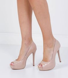 There is no better way to introduce our new curated shoe collection than to showcase these Contrast Colour Caged Bandage Heeled Sandals. Fancy Shoes, Pretty Shoes, Beautiful Shoes, High Heel Pumps, Pumps Heels, Stiletto Heels, Nude Pumps, Platform Pumps, Beige Heels