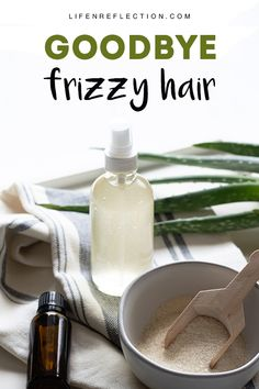 Say GOODBYE to Frizzy Hair - naturally tame your wild hairs with an easy DIY Anti Frizz Spray! Frizzy Hair Remedies, Frizzy Hair Tips, Curly Hair, Hairstyles For Frizzy Hair, Long Hair, Anti Frizz Spray, Anti Frizz Hair, Diy Hair Serum, Frizz Control