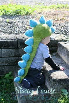 great idea for a young childs costume for halloween, before it becomes fun lol easy to put on and take off