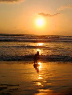 beach sea coast sand ocean horizon sun sunrise sunset sunlight morning shore wave boy dawn dusk evening reflection afterglow wind wave
