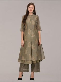 Golden Khari olive front open buttons chanderi layered tunic set of 3 Kurta Designs Women, Salwar Designs, Kurti Designs Party Wear, Blouse Designs, Stylish Dresses, Casual Dresses, Fashion Dresses, Indian Dresses, Indian Outfits