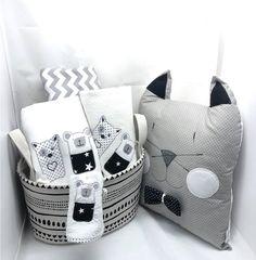 Δώρο για νεογέννητο σε ασπρόμαυρα χρώματα Diaper Bag, Black And White, Bags, Handbags, Black N White, Diaper Bags, Black White, Mothers Bag, Bag