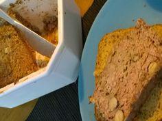 Pâté de foie de volaille aux noisettes par Benkku81 Banana Bread, Desserts, Food, Poultry, Recipe, Kitchens, Tailgate Desserts, Deserts, Essen