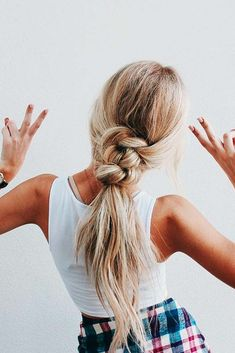 Fun boho bridal ponytail – wedding ponytail inspiration – boho wedding hairstyles – wedding hair ideas {Love Hairstyles} Source by savannahsexton Bridal Ponytail, Knotted Ponytail, Fishtail Braids, Braided Pony, Braided Updo, Blonde Ponytail, Lace Braid, Coiffure Hair, Boho Wedding Hair