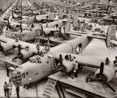 A B-24 Bomber assembly line in Fort Worth May 1943.