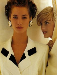 """niuniuyork: """"Christy Turlington and Linda Evangelista by Karl Lagerfeld for Chanel Spring/Summer Ad, 1991 """" Chanel Jacket Trims, Chanel Style Jacket, Linda Evangelista, Karl Otto, Etsy Vintage, Mode Chanel, Chanel Brand, 90s Models, Chanel Couture"""