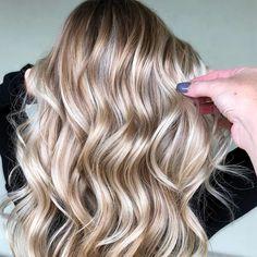 Blonde Hair Looks, Blonde Hair With Highlights, Brown Blonde Hair, Blondish Brown Hair, Neutral Blonde Hair, Butter Blonde Hair, Fall Blonde Hair Color, Full Head Highlights, Winter Blonde