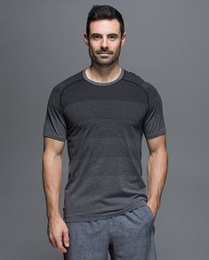 Lululemon Metal Vent Tech Sleeve // Trendy Fitness Wear