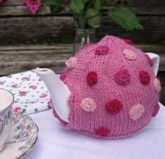 Knitted Polkadot Teapot Cozy Free Pattern