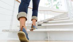 Πώς μια σκάλα μπορεί να σου δείξει αν έχεις καρδιολογικό πρόβλημα Weight Loss Help, Lose Weight, How To Apply Polyurethane, Natural Twists, Toned Abs, Walk On, Young Women, Business Women, How To Become