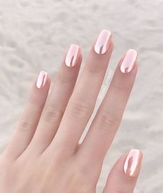 21 Perfect Wedding Nail Ideas to Shine! gold Nails 21 Perfect Wedding Nail Ideas to Shine! Popular Nail Designs, Nail Art Designs, Chrome Nails Designs, Metallic Nails, Acrylic Nails, Coffin Nails, Chrome Rose Gold Nails, Gold Glitter, Gold Tip Nails