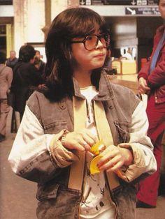 中森明菜 Akina Nakamori, 1980s Idolo, Magazine Aesthetic Japan, Japanese Aesthetic, Retro Aesthetic, Japan Fashion, 80s Fashion, Tableaux Vivants, Poses, Grunge Hair, My Guy