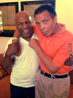 "home-of-hip-hop: "" killafornia-life: "" Mike Tyson x Muhammad Ali "" I fucking love this photo, made me smile. Mohamed Ali, Sports Illustrated, Ufc, Boxe Mma, Boxe Fight, Jiu Jutsu, Foto Picture, Nice Picture, World Boxing"