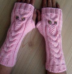 pink owl fingerless gloves, knit fingerless gloves, winter gloves, gift for her, g Owl Knitting Pattern, Crochet Gloves Pattern, Fox Pattern, Knit Patterns, Free Knitting, Crochet Hats, Cordon Crochet, Knitted Owl, Crochet Cord