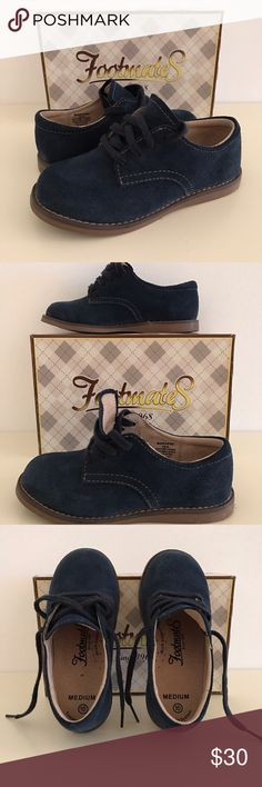FOOTMATES BUCKY 2 TODDLER BOYS OXFORD SHOES SZ 10 PRODUCT INFORMATION: Classic and traditional, this oxford is perfect for everyday or formal wear. Fine Navy color suede upper with traditional laced design. Leather lining and leather footbed. FootMates® Custom Fit System (CFS) includes an extra set of wide size insoles in size 10.  Flexible, textured rubber outsole. Worn once, excellent condition.  Imported. FootMates Shoes Dress Shoes
