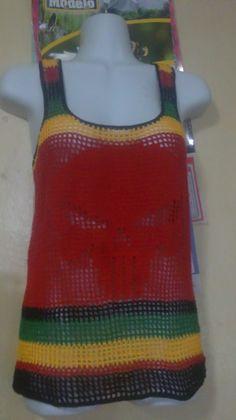 Blusa colores Reggea en crochet Crochet Dresses, Crochet Clothes, Diy Clothes, Crochet Outfits, Crochet Diagram, Crochet Patterns, Rasta Tattoo, Jamaican Colors, Dread Wraps