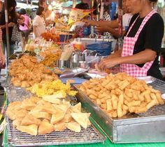 Street food in Chatuchak Market, Bangkok by De #travel #asia #thailand