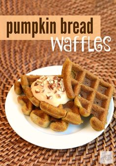 This quick and easy pumpkin bread waffle recipe is everything you love about quick breads (chewy and crunchy), but done in 5 minutes (instead of an hour). #ad
