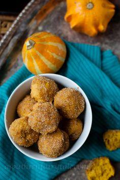 Pumpkin Pie Spice Cake Doughnut Bites | A Southern Fairytale Mini Pumpkin Pies, Baked Pumpkin, Pumpkin Recipes, Fall Recipes, Pumpkin Spice, Pumpkin Puree, Thanksgiving Recipes, Just Desserts, Delicious Desserts