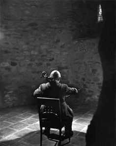 Pablo Casals by Yousef Karsh, 1954 © The Estate of Yousuf Karsh IPHF Permanent Collection