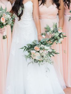 Photography : Honey Honey Photography | Floral Design : Bended-Knee | Wedding Dress : Kittychen Read More on SMP: http://www.stylemepretty.com/little-black-book-blog/2015/12/08/peach-blush-hummingbird-nest-ranch-wedding/