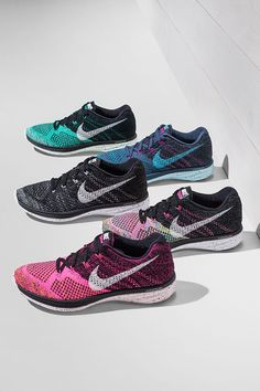 Your new go-to shoe for an everyday run, no matter the distance. Get the new ultra-lightweight Nike Flyknit Lunar 3.