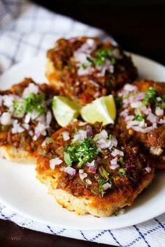 masala pav recipe with step by step photos. spicy mumbai street food recipe of masala pav. pav bhaji and masala pav are my favorite street food snacks. masala pav does taste similar to pav bhaji. Veg Recipes, Indian Food Recipes, Vegetarian Recipes, Snack Recipes, Healthy Recipes, Indian Snacks, Pav Recipe, Bhaji Recipe, Mumbai Street Food