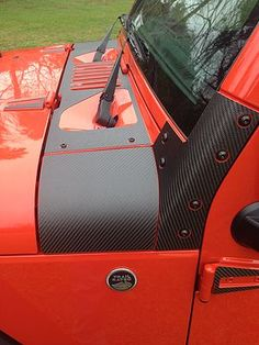 Protect your A Pillars from rock chips, scratches, and tree branches with these stylish yet functional Genuine Carbon Fiber A Pillar guards from Tufskinz. Proudly Made In USA. Jeep Wrangler Lifted, Jeep Wrangler Unlimited, Jeep Jku, Jeep Rubicon, Jeep Wrangler Accessories, Jeep Accessories, Lifted Ford Trucks, Jeep Truck, Lifted Jeeps