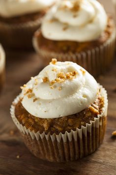 Dessert Recipe: Carrot Cupcakes w/ Cream Cheese Frosting