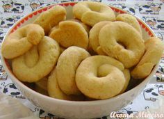 ღ ღ Aroma Mineiro : Rosquinha de Creme de Leite - / ღ ღ Miner Aroma: Doughnut Milk Cream - Donuts, Biscuits, Cookie Recipes, Dessert Recipes, Good Food, Yummy Food, Portuguese Recipes, Small Cake, Cakes And More