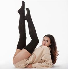 That's Los Angeles. Your favorite made-in-USA socks will be returning this weekend. Stephanie is shown here wearing the Chain Stitch Thigh High Sock with the Unisex Heavy Fleece Turtleneck Sweatshirt in Beige. Outfits Teenager Mädchen, Teen Girl Outfits, Sexy Outfits, Cute Outfits, Casual Outfits, Thigh High Socks, Thigh Highs, Preteen Girls Fashion, Girl Fashion