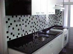 cozinha decorada com pastilhas pretas 4