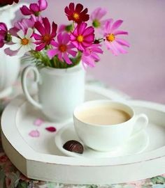 ♥ Good Morning Breakfast, Breakfast Tea, Morning Coffee, Coffee Cafe, My Coffee, Coffee Shop, Good Night Flowers, Coffee Heart, Coffee And Books