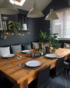 20 Best Farmhouse Dining Room Decor and Design Ideas - 22 casual dining decor ideas Dining Room Walls, Dining Room Design, Living Room Decor, Dark Dining Rooms, Design Room, Dining Rooms With Fireplaces, Feng Shui Dining Room, Built In Dining Room Seating, Cosy Dining Room