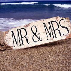 Vintage Style 'Mr & Mrs' Sign