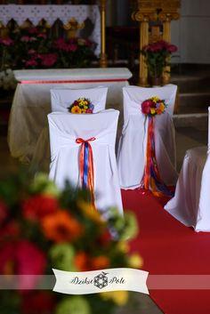 kolorowa dekoracja kościoła ślub folk wedding ceremony decoration colours Wedding Ceremony Decorations, Table Decorations, Colours, Wedding Decoration, Wedding Garlands, Dinner Table Decorations