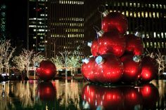 Great balls of fire-engine red...new York at Christmas
