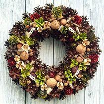 Wianek Wiejski 30 cm by aleWianki on Etsy Autumn Wreaths, Christmas Wreaths, Christmas Crafts, Christmas Decorations, Holiday Decor, Pine Cone Art, Pine Cones, White Wreath, Winter Project