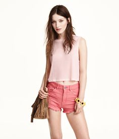 Ribbed sleeveless crop top in soft pink. | H&M Pastels