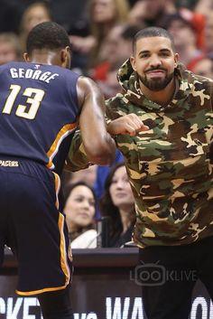 Drake on Looklive Drake Fashion, Men's Fashion, Drake Clothing, Drake Photos, Rihanna And Drake, Drake Drizzy, Drake Graham, Aubrey Drake, Backgrounds