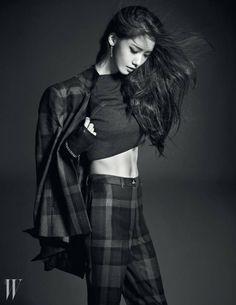 Girls' Generation Yoona W Korea September 2014 Look 1 Sooyoung, Yoona Snsd, Snsd Fashion, Pop Fashion, Korean Fashion, Fashion Beauty, Girls Generation, Red Velvet アイリン, Kwon Yuri