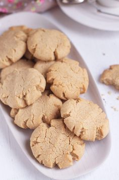tahini & almond cookies