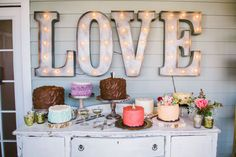 Marquee signs are a hot trend for 2014 so we show you how to incorporate these fun props into your big day...