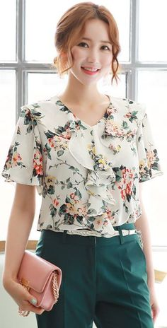 StyleOnme_Floral Print Ruffle Blouse