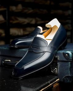 Handcrafted Leather Loafers for Men Mens Puma Shoes, Mens Shoes Boots, Sock Shoes, Men's Shoes, Shoe Boots, Dress Shoes, Mens Leather Loafers, Loafers Men, Mens Fashion Casual Shoes