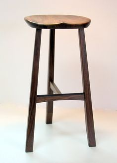 Three leg stool with sculpted seat, and a straightforward leg system. Made by Mike Bartell Diy Stool, Wood Stool, Stool Chair, Custom Bar Stools, Cool Bar Stools, Steel Furniture, Modern Furniture, Furniture Design, Wood Chair Design