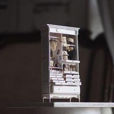 ❤︎ ・ original handmade miniature  closet size 1/12 .  女子力が、かなり高い ミニチュアクローゼットが出来ました🌸 実際の私はというと、 ネイルも香水もつけない・・ そして口紅も一本しかもたないという 女子力ゼロ、、現実はそんなもの😂🙌 画像には写っていない、引き出し中にも 小物がぎっしり並べてあります❤︎ ・ ・ ・ ・ ・ ・ ・ ・ ・ #ミニチュア#miniature#dollhouse #miniature#アンティークレース  #💄#口紅#コスメ#rougecocogloss #日傘 #miniature#nail #nail💅  #rouge#nailart  #💅#ネイル#コスメ#NailPolish #antique#メイクBOX#メイクボックス  #💄#口紅#コスメ#rougecocogloss #クローゼット #rougecoco#香水#Perfume#cute #makeup #make#closet#帽子#hat